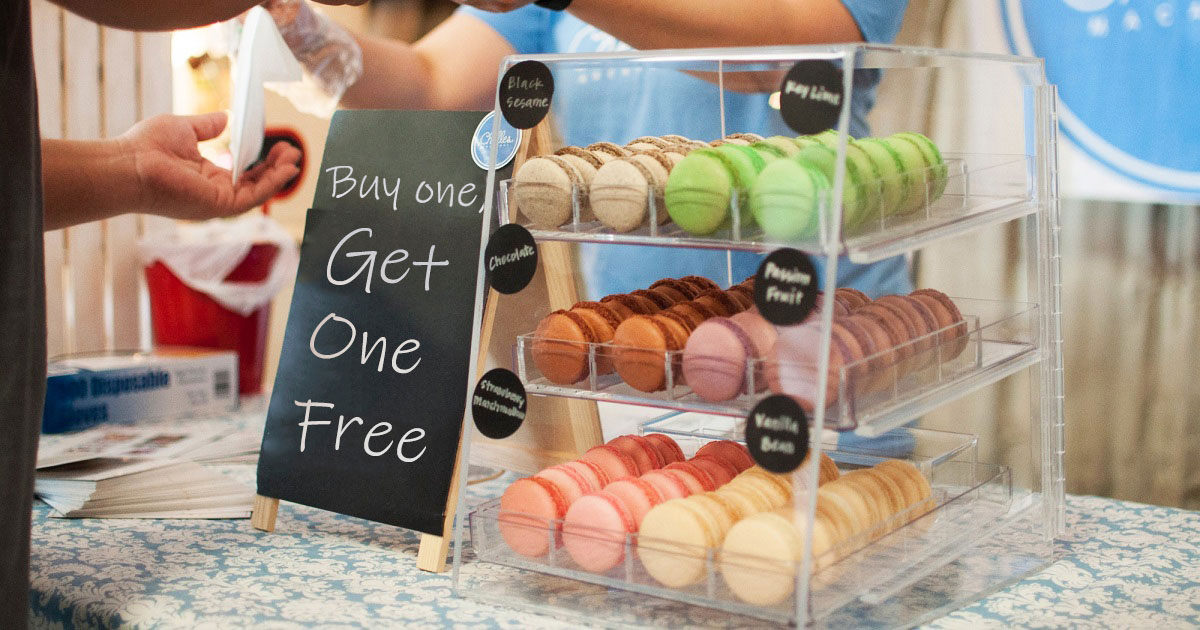 Farmer's market vendor offering 'buy one, get one free' deal