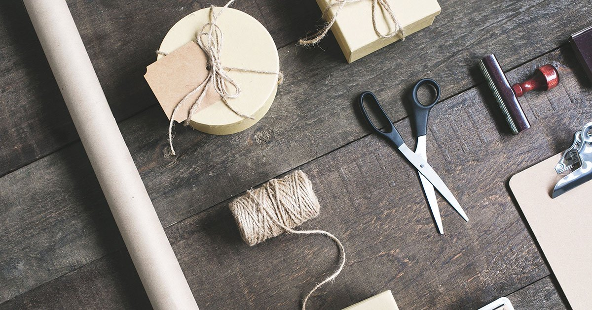 When to choose a handmade/custom product business model