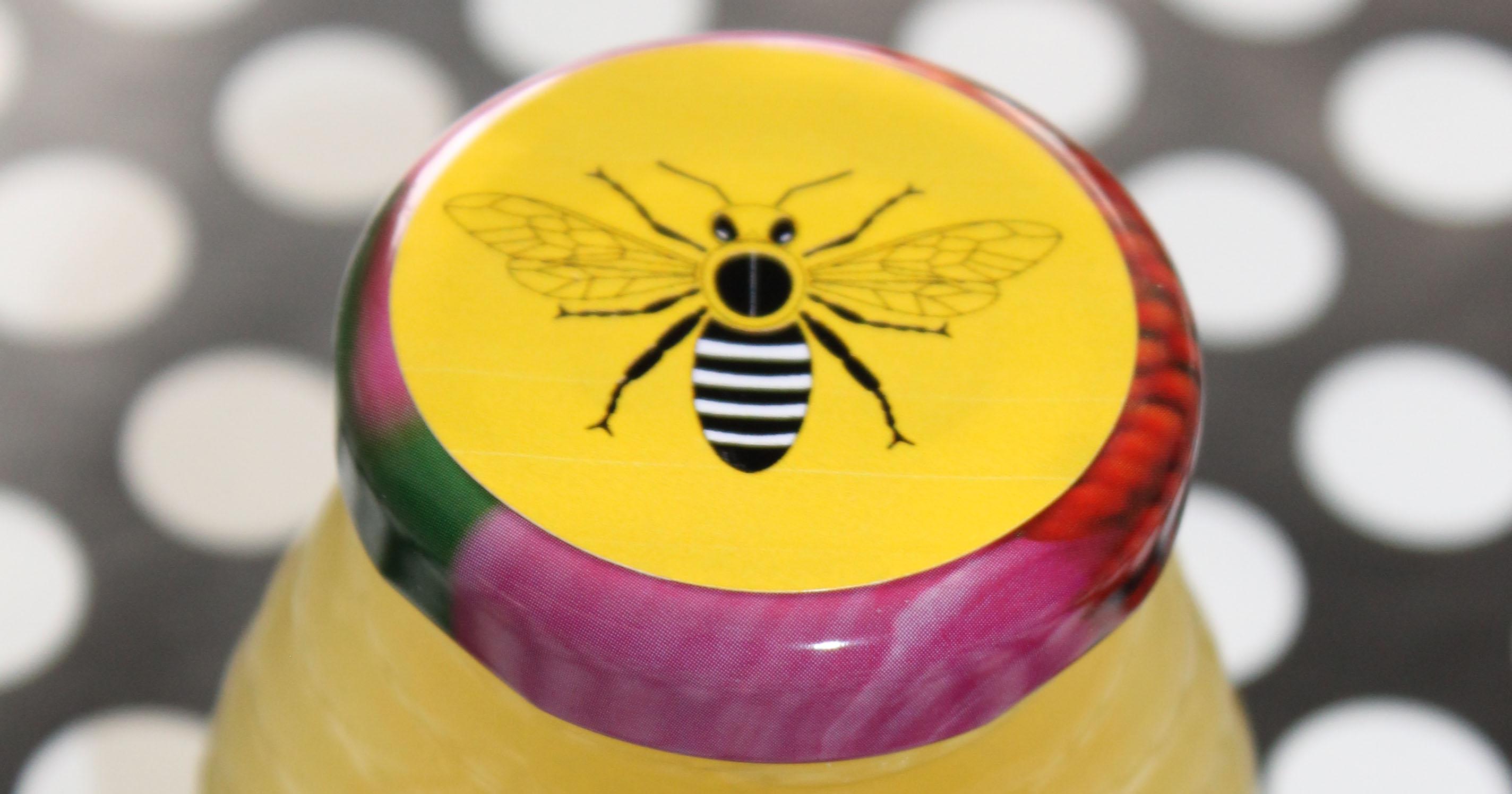 Honey jar lid with free printable label template.